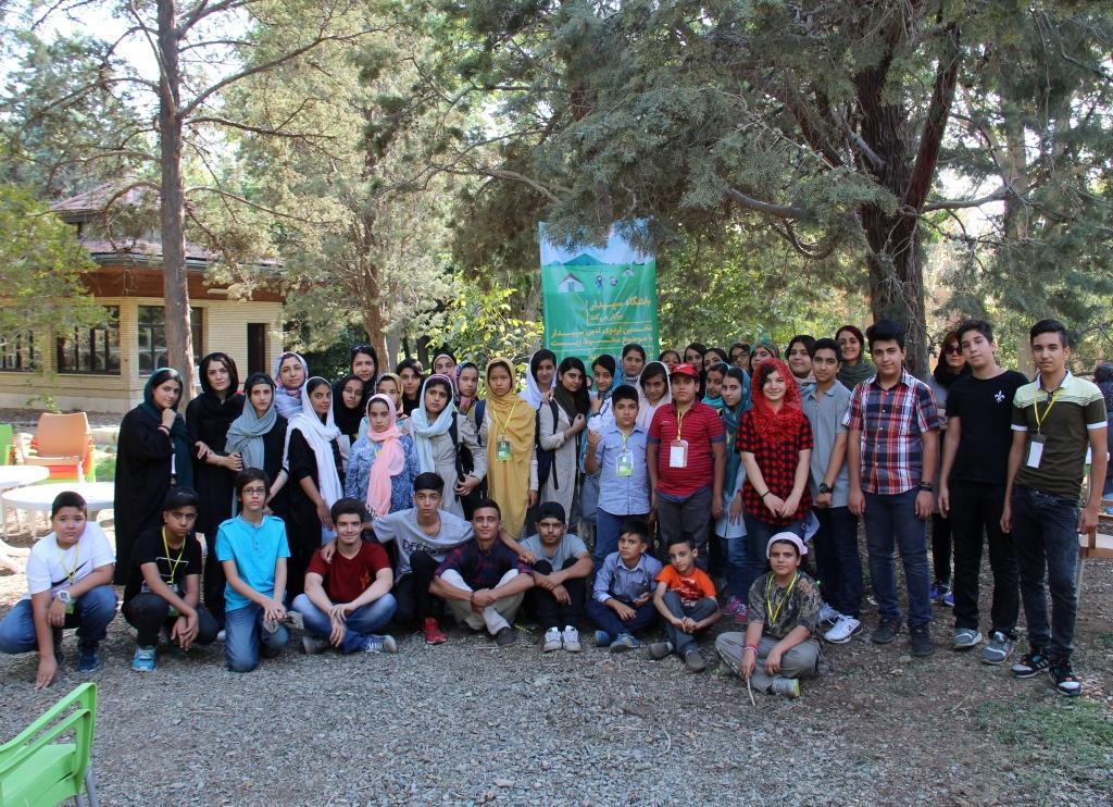 نخستین اردوی ادبی و محیط زیستی سپیدار برگزار شد.